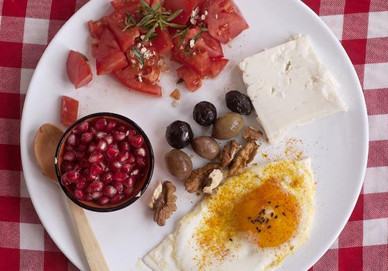 Kırmızı Kahvaltı